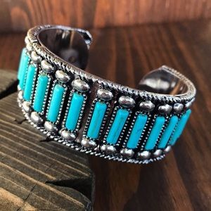 Jewelry - Silver & Turquoise Cuff Bracelet